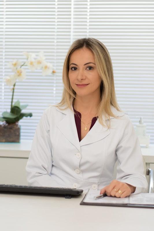 Dr. Ana Paola Vargas Baptistella – CMEB - Centro Médico Especializado  Baptistella - Otorrinolaringologia, Oftalmologia e Fonoaudiologia em  Curitiba c728c59959